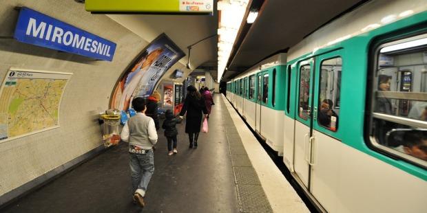 metro-2611115_960_720